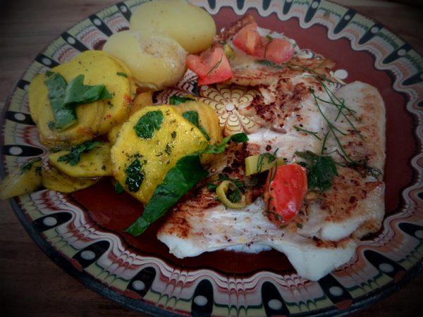 Rotbarschfilet mit Gelbe Bete Salat