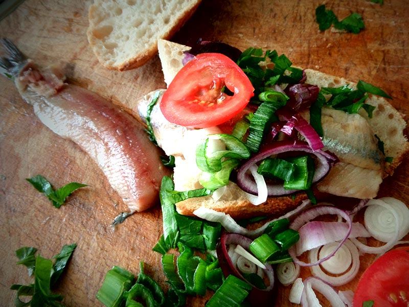 Matjes Brötchen als Pausensnack